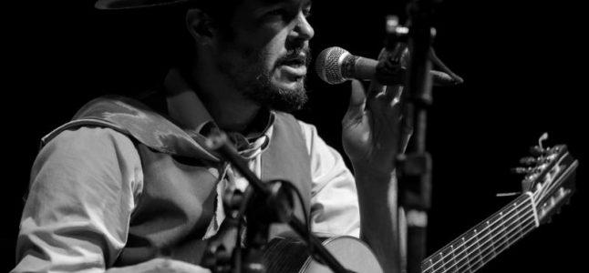 Encontro de Prateiros traz cantor tradicionalista Lisandro Amaral