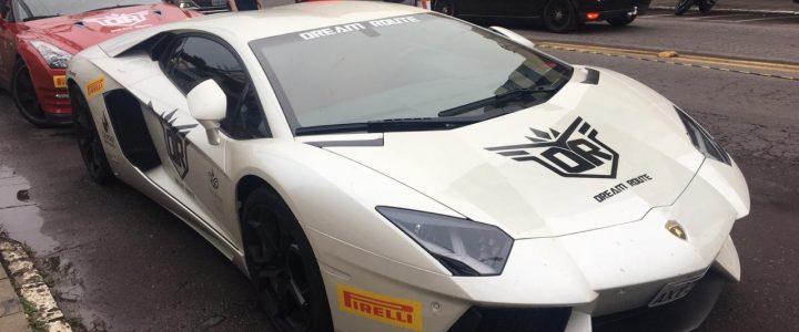 Bento recebeu exposição de carros superesportivos