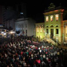 Três mil pessoas participam da abertura do Natal Bento