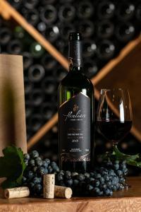 Degustação de vinhos premium @ Peculiare Vinhos Únicos