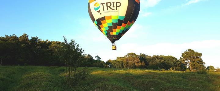 Maior balão do Rio Grande do Sul sobrevoa